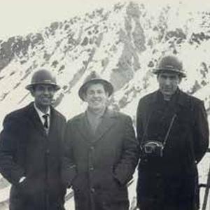 1973 - Inicio aporte de profesionales a las empresas  públicas del país: ENAP,  CORFO, IANSA, CAP, entre  otras, además de ministerios e institutos especializados.